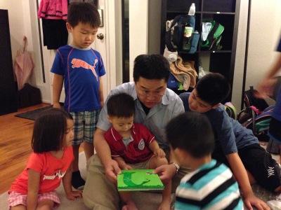 pastor ed reading to LA kids